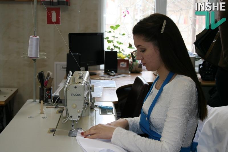 Все для фронта: в Николаевском ВПУ технологий и дизайна изменили учебный план, чтобы пошить маскхалаты для «79-ки»