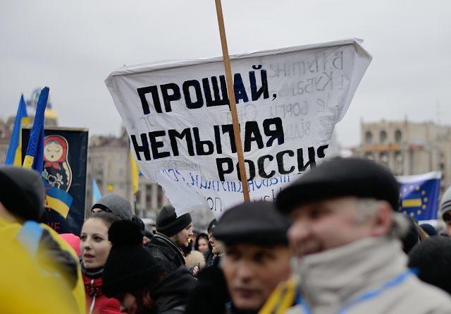 Иностранцы массово покидают Россию
