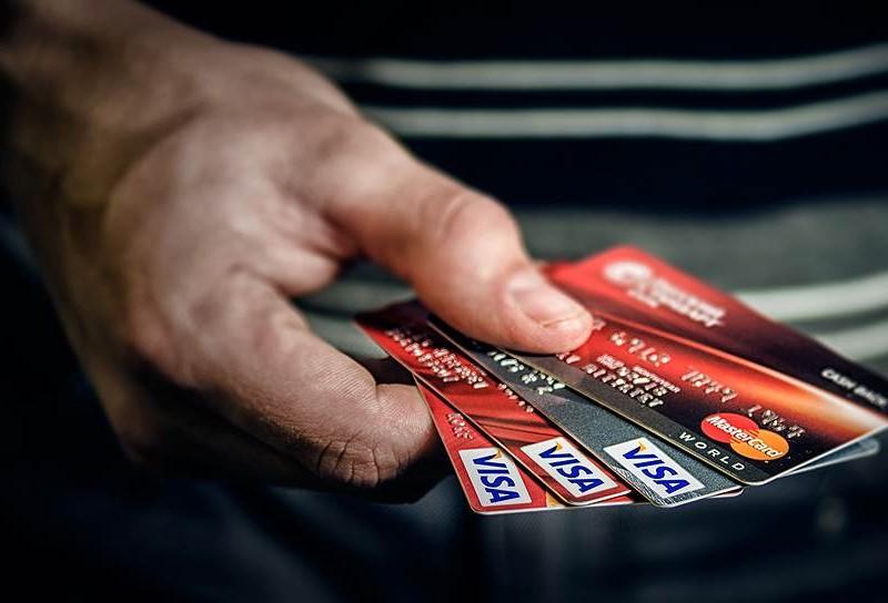 За сутки в Николаеве трое стали жертвами мошенничества с банковскими картами