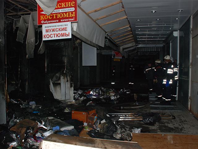 В Николаеве на Строителей горел промтоварный рынок