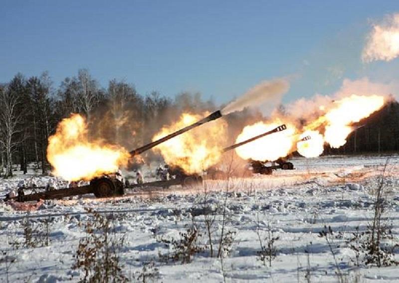 Российско-террористические войска на Донбассе не унимаются: за ночь они 12 раз нарушили перемирие
