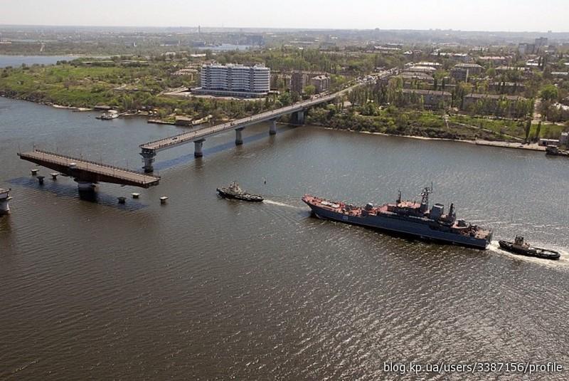 До 1 апреля на Варваровском и Ингульском мостах проведут ямочный ремонт