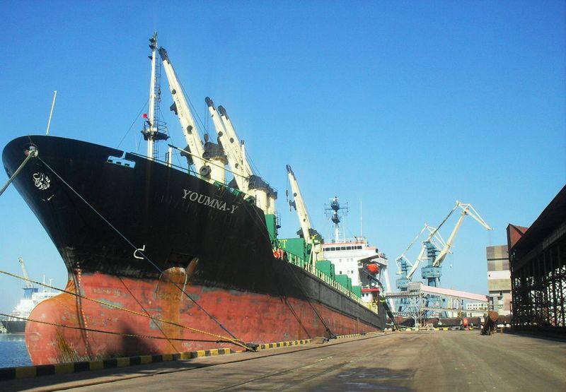 «Ника-Тера» просит Мининфраструктуры и Николаевскую ОГА вспомнить о морехозяйственном комплексе