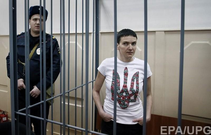 На 82-й день голодовки Надежду Савченко привезли в московский суд