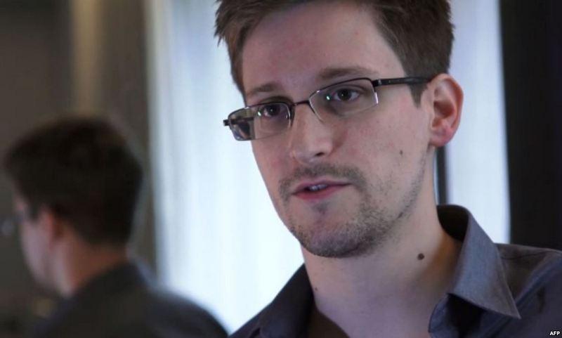 Эдвард Сноуден готов бежать из России