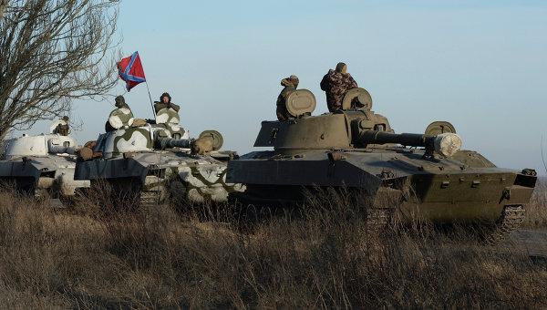 """""""ДНР"""" заявляет об """"отводе вооружения"""", хотя обстрелы из него продолжает"""