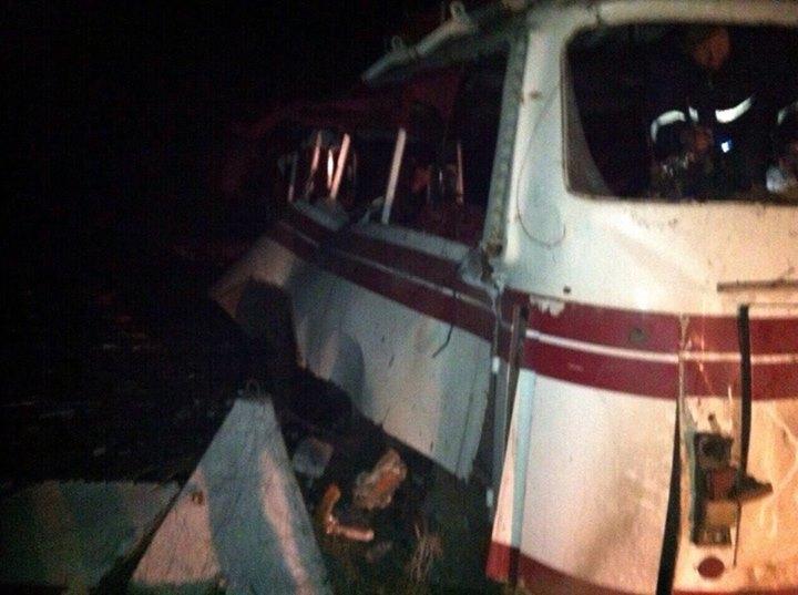 Боевики обстреливали подорвавшийся на мине автобус под Артемовском, не подпуская врачей и спасателей