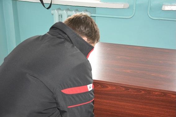 В Николаеве задержан разбойник, ограбивший детский магазин с чулком на голове