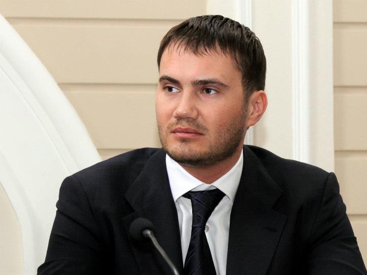 Александр Янукович рассказал, почему брата похоронили в Крыму