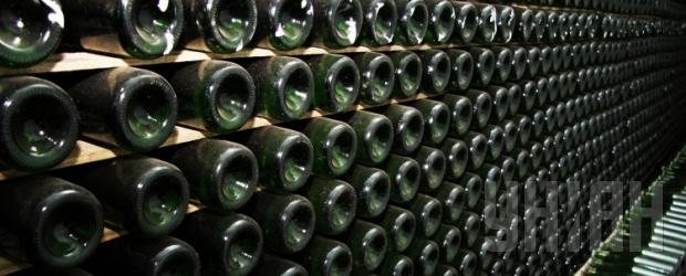 В США откупорили бутылку вина с затонувшего 150 лет назад корабля