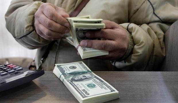 Валютные вклады еще три месяца можно будет снимать только в гривнях