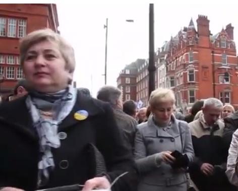 Украинская община Лондона подарила Украине внедорожники для АТО