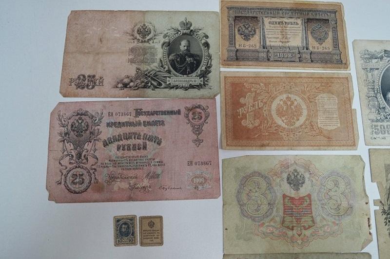 Директор Николаевского краеведческого музея пришел в Николаевскую таможню с деньгами