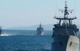Россия направила 30 кораблей с десантом к побережью Широкино