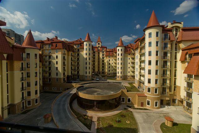 Сын Авакова купил 6-комнатную квартиру у экс-регионала за миллион долларов