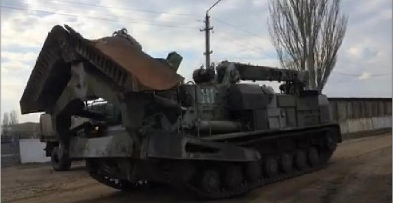«Не поехал – полетел!»: Николаевские волонтеры передали нашим военным отремонтированный БАТ