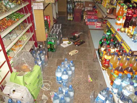 Выпить, закусить и покурить – в Вознесенске разбойники ограбили продуктовую лавку, забрав все самое необходимое