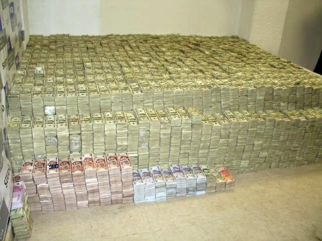 США заблокировали $640 миллионов в банках друзей Путина
