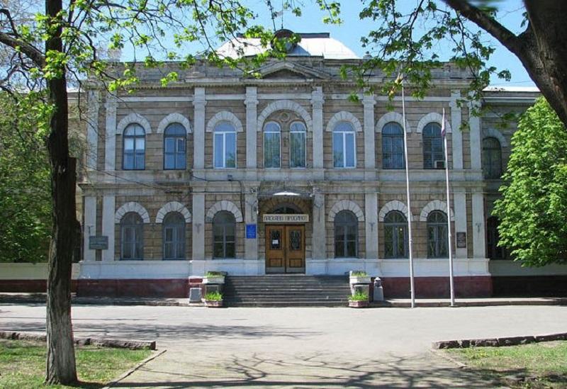 Знай наших: программа Первой украинской гимназии им.Н.Аркаса одобрена для использования в учебных заведениях