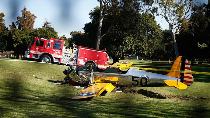 harrison-ford-plane-crash.si