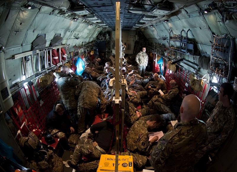 Великобритания направила в Украину военных медиков