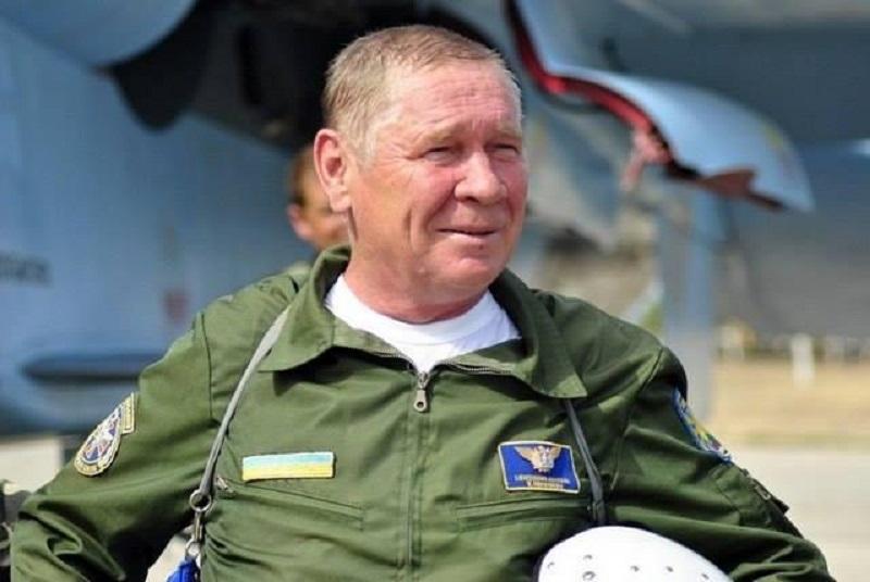 Последний полет: в Виннице попрощались с легендарным летчиком Василием Никифоровым