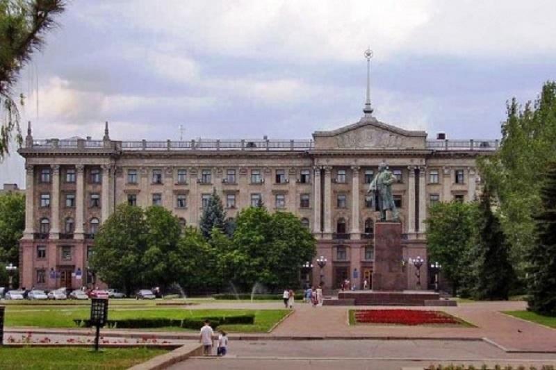Николаевские коммунисты собрали почти 12 тысяч подписей против переименования площади Ленина