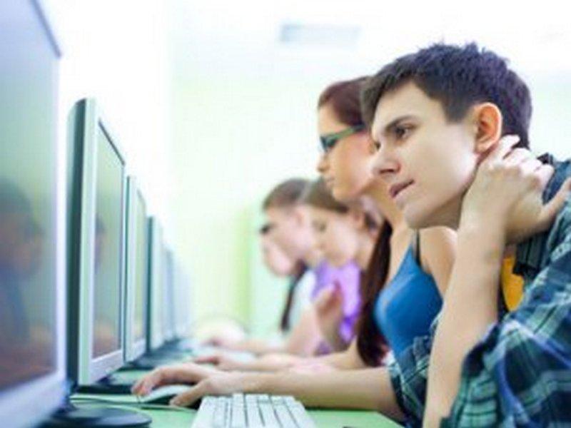 В Первомайске определились, до которого часа школьники города могут находиться в интернет-кафе