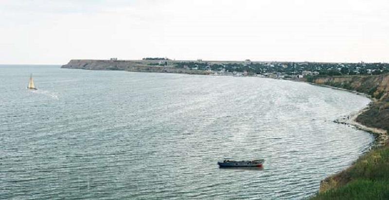 1 га земли на побережье Рыбаковки под туристско-гостиничный комплекс передали незаконно