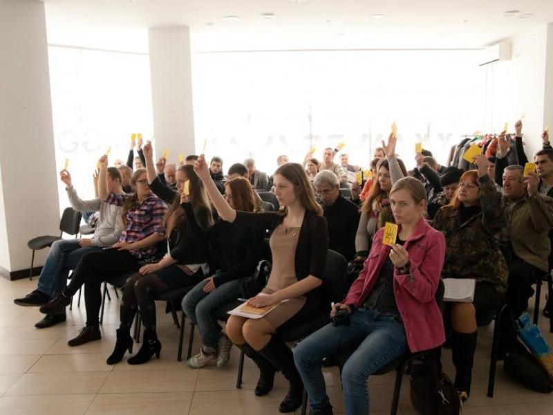 """Обласна конференція ВО """"Свобода"""": Демид Губський очолив парторганізацію, а два активісти отримали догану та зауваження"""