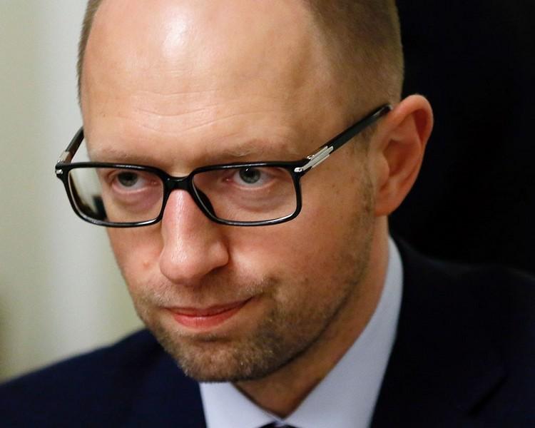 Яценюк экстренно соберет глав силовых структур из-за коррупции