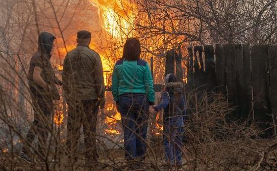 Число погибших в пожарах на юге Сибири достигло 15 человек