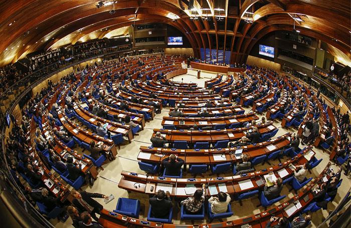 ПАСЕ перенесла обсуждение возврата голоса делегации РФ на июнь