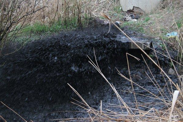 Прокуратура Николаевщины расследует незаконный выброс отходов из канализации в Корабельном районе