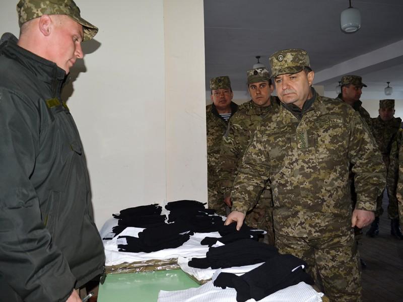 На службу – по контракту. В Николаевском ОВК создано внештатное вербовочное подразделение