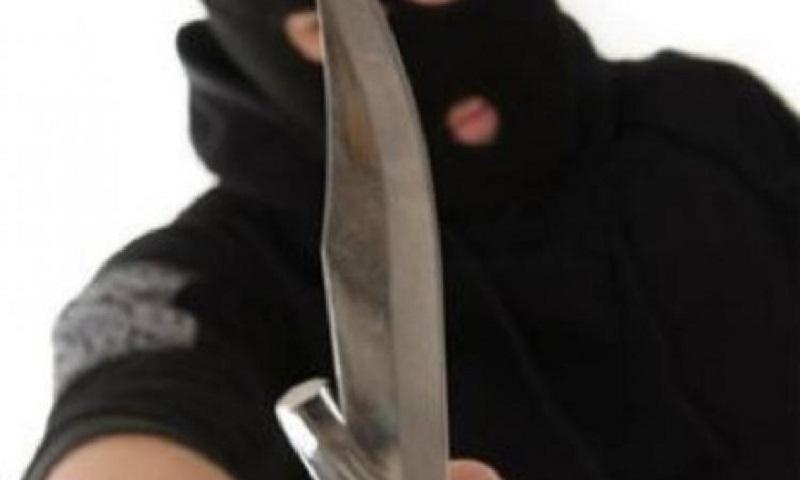 Ограбление в Сочельник. В Николаеве грабитель с ножом напал на продавщицу