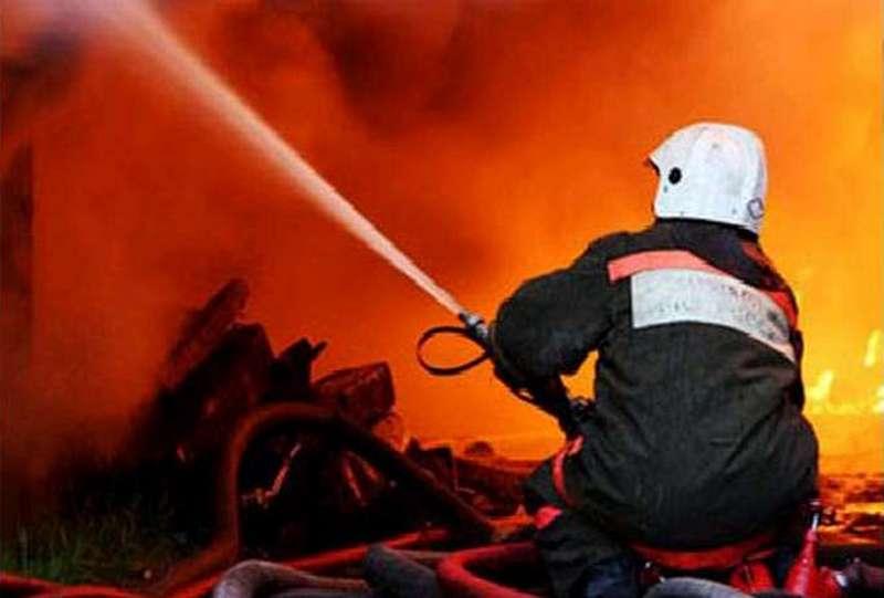 В Николаевской области за новогодние сутки спасатели тушили школу, три дома, дачу и две бани