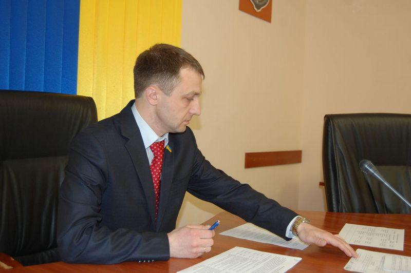 Народный депутат Креминь подрабатывает в трех университетах, но жена все равно получает больше – декларация за 2016 год (ДОКУМЕНТ)