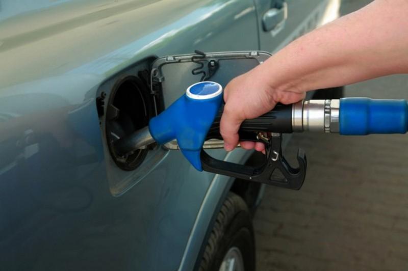 Минтопэнерго заявляет, что на некоторых АЗС подешевел бензин и дизтопливо. Перечень