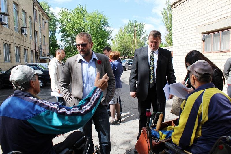 Андрей Вадатурский проконтролирует заверешние соцпроектов в Казанке и добъется изменения расписания поездов для удобства жителей двух районов