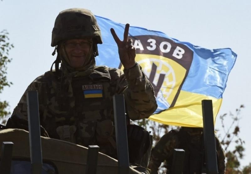 Активисты «Азова» приехали домой к главе Соломенского суда