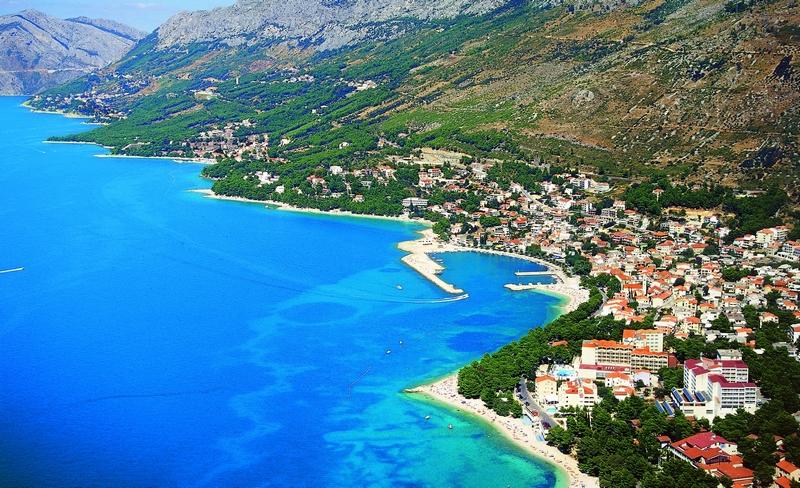 Туристам на заметку. В Черногории будут штрафовать полуголых (ВИДЕО)
