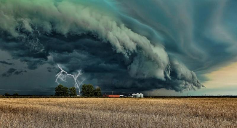 Жителей Николаевщины и других южных областей предупредили о грозах и сильных ливнях