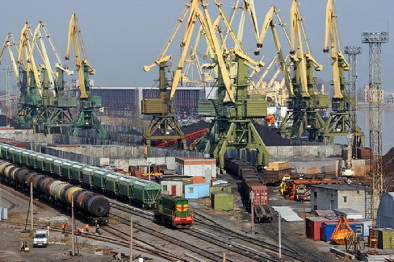 Николаевский порт увеличил перевалку импортного топлива втрое в I полугодии