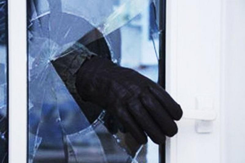 В Москве вор залез в окно Центробанка и украл 11,4 млн. рублей