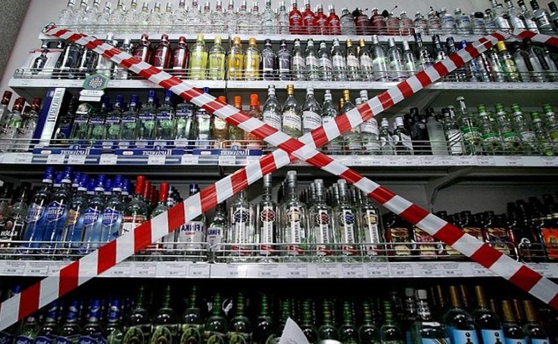 Все, что нажито непосильным трудом: суд арестовал алкоголь Януковича