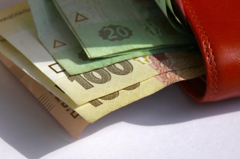 Зеленский хочет повысить минималку до 5 тысяч гривен