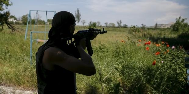 Офицеры оккупационных российских войск устроили вооруженный передел баз отдыха на Азове