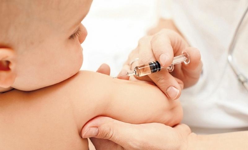 Детские прививки: какие вакцины есть в наличии в Николаевской области?