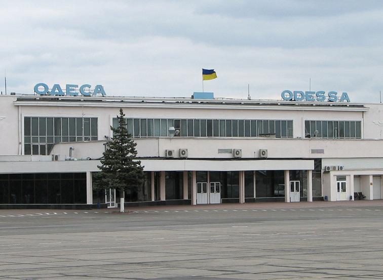 """Мининфраструктуры введет """"открытое небо"""" в аэропорту Одессы"""